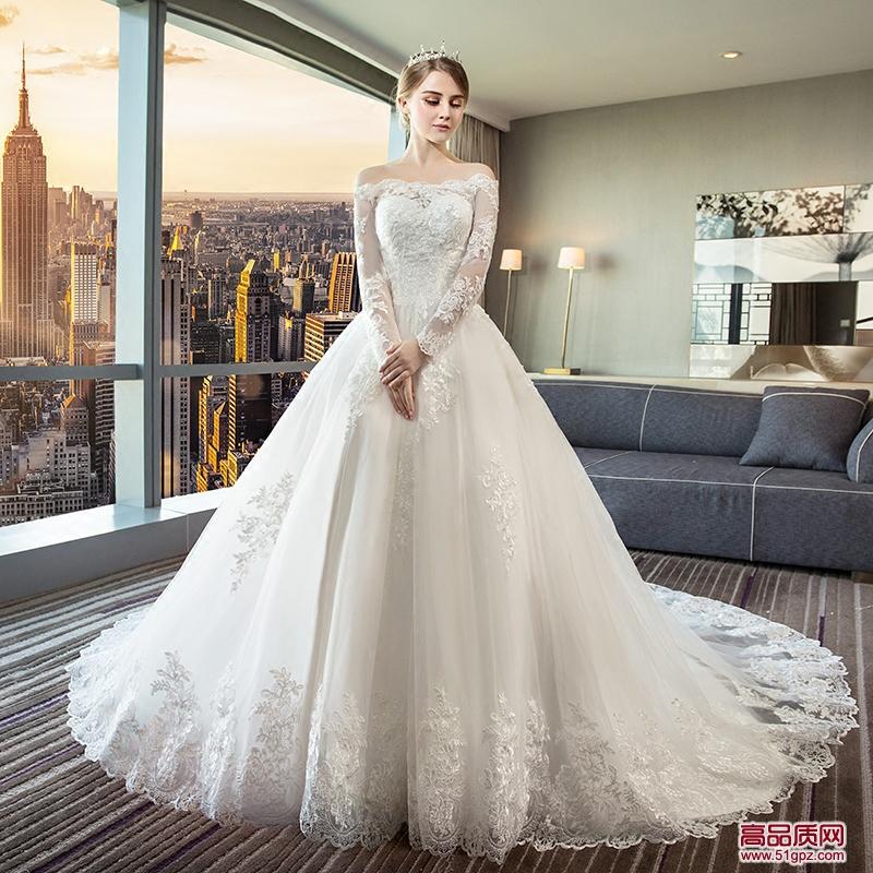 白色一字肩轻婚纱礼服2018新款新娘拖尾欧美宫廷奢华性感冬季端庄大气